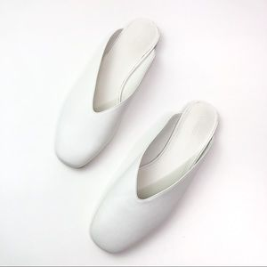 NEW VINCE Levins Flat Leather Mule White Horchata